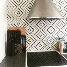 #mulpix Goose-eye - milk/kohl designed by  #matstheselius  #MarrakechDesign  #kakel  #klinker  #fliser  #tiles  #flooring  #cementtiles  #contemporarytiles  #betongplattor  #interior  #interiordesign