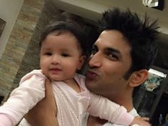 Sushant Singh Rajput has bonded well not only with MS Dhoni but also with his little daughter Ziva! Bollywood Stars, Bollywood News, Bollywood Fashion, Cute Celebrities, Celebs, Ziva Dhoni, Dhoni Wallpapers, Funny Videos For Kids, Susa