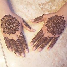 Circle henna