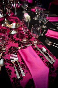 Fuchsia & Black Damask Table Runner with Fuchsia Satin Napkins accent the Black Table Linen...simply stunning!
