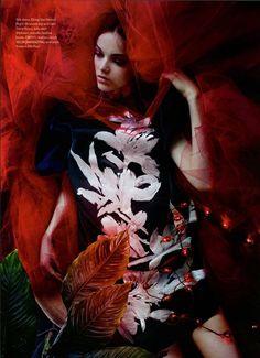 Jenna Earle by Leda & St-Jacques for Elle Canada December 2014 - dires van tonen silk dress