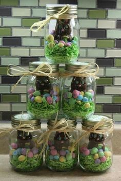 Mason jars make excellent Easter Egg basket alternatives, are great for home decoration and are a great way to store smaller items. Contemporary, fun and y gifts mason jars 15 Easter Mason Jar Crafts and Treats Hoppy Easter, Easter Bunny, Easter Eggs, Easter Food, Easter Decor, Easter Stuff, Easter Recipes, Easter Centerpiece, Jar Centerpieces