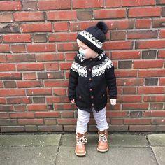 Ravelry: Winter buds jacket/ granny // Snøløvjakke pattern by Marianne J. Bjerkman