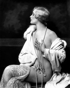 (Muriel Finlay by Alfred Cheney Johnston ...)