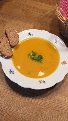 Hokkaido - Kürbissuppe, ein schmackhaftes Rezept aus der Kategorie Gemüse. Bewertungen: 274. Durchschnitt: Ø 4,5.
