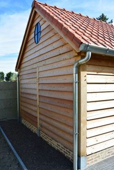 Wood Cladding Exterior, Clapboard Siding, Timber Cladding, Outdoor Buildings, Wooden Buildings, Carport Plans, House Front Porch, Stone Facade, Pallet Patio