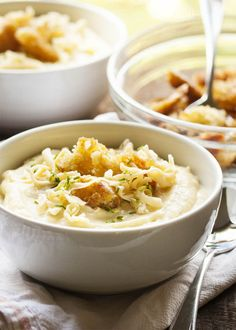 Slow Cooker Potato Leek Soup - Comforting, creamy, cheesy, and now even easier to make, this potato leek soup delivers all the flavor for only minutes of work.   justalittlebitofbacon.com