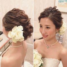 オールバックの上品な感じが好き #hairmake #wedding #photoshooting #TheTerraceByTheSea #TAKAMIBRIDAL #テラスバイザシー #タカミブライダル #ハワイウェディング #ウェディング #ブライダル #ヘアメイク #ヘアスタイル #ヘアアレンジ #花嫁 #プレ花嫁 #おしゃれ花嫁 #美容師 #波ウェーブ Bridesmaid Dresses 2018, Hair Arrange, Beauty Around The World, Bridal Hair Accessories, Cut And Color, Hairdresser, Marie, Wedding Hairstyles, Hair Styles