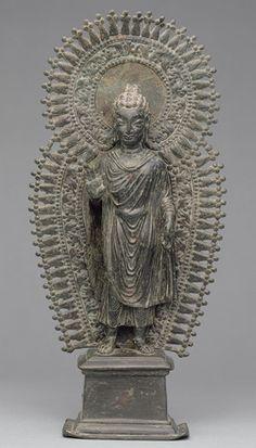 Standing Buddha with radiate combined halo, ca. Pakistan, ancient region of Gandhara. Buddha Buddhism, Buddhist Art, Zen, Serenity, Standing Buddha, Asian Sculptures, Alexandre Le Grand, Mudras, Sacred Art