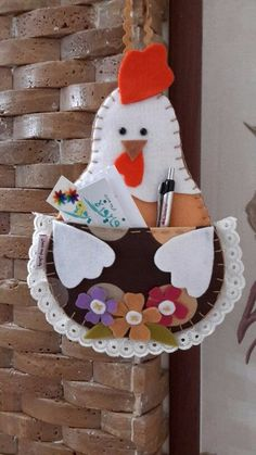 Set aside a weekend for these easy crafts to make and sell. These are the projects you need, if you want to start selling! Cd Crafts, Felt Crafts, Easter Crafts, Crafts To Sell, Home Crafts, Sewing Crafts, Diy And Crafts, Christmas Crafts, Sewing Projects