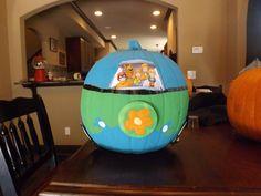Scooby Doo Mystery Machine pumpkin. 7 year old creativity at its best. #Scoobydoo #Halloween #pumpkin #mysterymachine