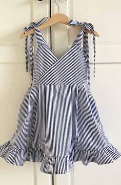 Simple Frock Design, Baby Dress Design, Baby Girl Dress Patterns, Frocks For Girls, Toddler Girl Dresses, Little Girl Dresses, Girls Dresses, Smocked Baby Clothes, Kids Dress Wear