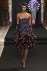 Sweet children's voices echoed through the impressive XVIIth century l'Oratoire du Louvre protestant church. Didit Hediprasetyo Haute Couture FW12/13 collection opened opulent and showed divine. http://www.missfashionnews.com/2012/07/07/didit-hediprasetyo-couture-fw1213/