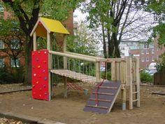 Spielturm mit Kletterwand, Brücke und Rampe bei spielendraussen.de unter http://www.spielendraussen.de/product_info.php?info=p275_spielturm-mit-kletterwand--bruecke-und-rampe.html
