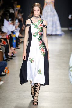Andrew Gn Spring 2018 Ready-to-Wear Fashion Show