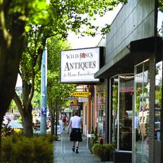 Shops and restaurants on California Avenue / West Seattle