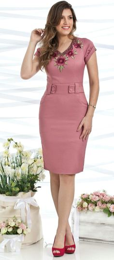 Vestido Bella Herança Simple Outfits, Simple Dresses, Cute Dresses, Short Dresses, Party Dresses For Women, Dresses For Work, Stylish Dresses, Fashion Dresses, Civil Wedding Dresses