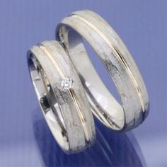 Wonderful Totally Free Palladium rose gold wedding rings bark Concepts Have you been trying to find inexpensive wedding bands? At EFES you'll find wedding bands from Nur Wedding Rings Sets His And Hers, Matching Wedding Rings, Celtic Wedding Rings, Wedding Rings Simple, Wedding Rings Rose Gold, Wedding Rings Vintage, Vintage Rings, Rose Wedding, Mens Wedding Ring Gold