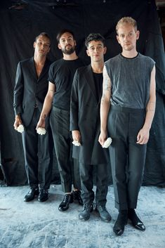 Can a Quote-Unquote Band Drag Rock Into the Future? The 1975 Is Trying Its Hardest - The New York Times Matthew Healy, The 1975 Wallpaper, Matty 1975, George Daniel, Music Pics, Hayley Williams, Post Punk, Humor, How To Get Money