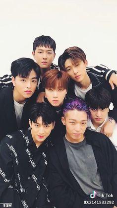 XD it looks like they're gravitating to Jinhwan. Chanwoo Ikon, Kim Hanbin, Yg Entertainment, K Pop, Yg Groups, Bobby, Ikon News, Ikon Songs, Ikon Member