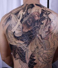 Mens Body Tattoos, Body Art Tattoos, Tattoo Art, Tatoos, Japanese Back Tattoo, Ed Hardy Tattoos, Koi Dragon, Back Tattoos For Guys, Koi Fish Tattoo