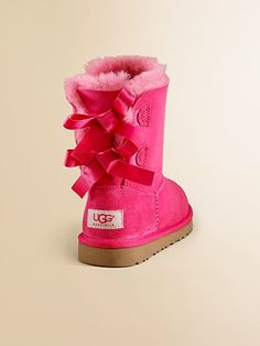 Bright pink Ugg with bows (sadly, just for kiddos.)