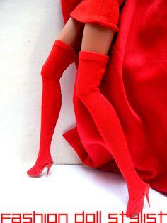 Fashion Doll Stylist: Shoe Biz5: A Leg Up In Style!