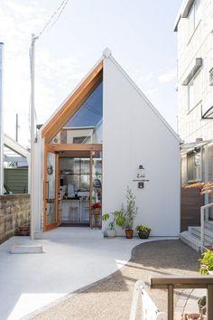 Architecture Design, Japan Architecture, Commercial Interior Design, Commercial Interiors, Cafe Shop Design, House Design, Book Bar, Garden Coffee, Cafe Style