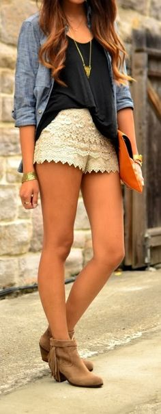 Love the shorts. These are the only shorts I'd wear. Komplette Outfits, Short Outfits, Spring Outfits, Casual Outfits, Fashion Outfits, Fashion Trends, Casual Shorts, Top Jean, Business Outfit