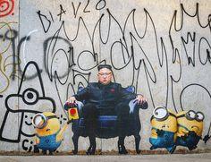 Street Art Best Of – Street art and graffiti magazine Banksy Graffiti, Street Art Banksy, Urban Graffiti, Street Mural, Banksy Artwork, Street Art Love, Art Photography Portrait, Recycled Art Projects, Jr Art