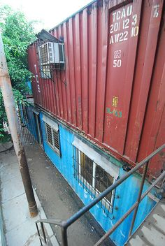 Containers in Cuba