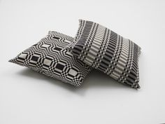 Bedspread 180 cm x 260 cm — Johanna Gullichsen Living Room Cushions, Traditional Interior, Kitchen Linens, Drip Dry, Bed Spreads, Cushion Covers, Home Accessories, Upholstery, Weaving