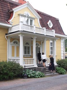 Mansard Roof, Roof Detail, Color Themes, Home Fashion, Pavilion, Old Houses, My Dream Home, Terrace, Beautiful Homes