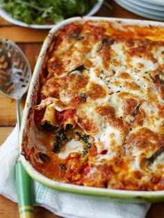 Spinach and ricotta cannelloni Jamie Oliver pasta recipes is part of pizza - This is a cracking spinach and ricotta cannelloni recipe Using a mixture of ricotta, oozy mozzarella and Parmesan cheese makes it super rich and creamy Spinach Ricotta Cannelloni, Queso Ricotta, Spinach And Ricotta Pasta, Frozen Spinach, Veggie Recipes, Pasta Recipes, Cooking Recipes, Healthy Recipes, Tasty Vegetarian Recipes