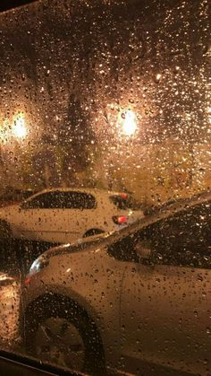 If a person is angry with ridiculous and simple things, he needs L . Wenn eine Person mit lächerlichen und einfachen Dingen böse ist, braucht sie L. If a person is evil with ridiculous and simple things, they need love / me / eger - matters # Eğer Artsy Fotos, Artsy Bilder, Rain Photography, Tumblr Photography, Photography Contract, Photography Hashtags, Photography Backgrounds, Photography Basics, Photography Awards