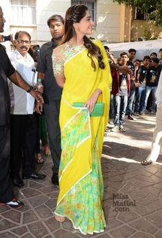 Sonam Kapoor was spotted at Tulsi Kumar's album launch wearing this pretty pink Anamika Khanna sari with an intricate and delicate lace work blouse. Indian Dress Up, Indian Attire, Indian Wear, Indian Outfits, Simple Sarees, Trendy Sarees, Stylish Sarees, Saree Blouse Neck Designs, Saree Blouse Patterns