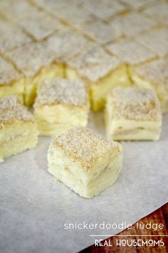 Turn your favorite cookie into a decedant bite with just a few ingredients and this SNICKERDOODLE FUDGE recipe!