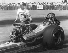 Bakersfield, California, Vance Hunt guides driver Watus Simpson into the staging lanes during the March Meet that year. Top Fuel, Drag Cars, Car Humor, Roller Coaster, Drag Racing, Good Old, Car Ins, Cars Motorcycles, Cool Cars