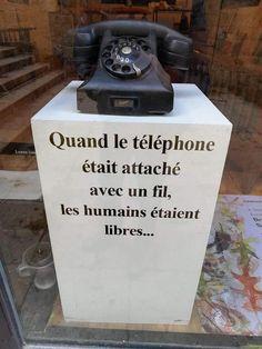 Quand le téléphone était attaché avec un fil, les humains étaient libres...