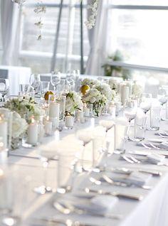 Elegant tablescape for a wedding by the sea - Design by Capri Moments #capri #caprimoments #tablescape #weddingcapri #capriwedding #destinationwedding #weddingdecor #italywedding #italianwedding