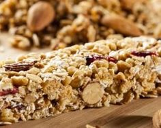 Doctors at the International Council for Truth in Medicine are revealing the truth about diabetes that has been suppressed for over 21 years. Granola, Homemade Cherry Pies, Healthy Snacks, Healthy Recipes, Good Food, Yummy Food, Cereal Bars, Food Porn, Food And Drink