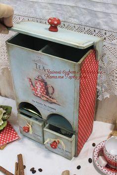 Decoupage Art, Decoupage Vintage, Vintage Paper, Tea Box, Furniture Restoration, Crafty Craft, Miniature Dolls, Box Art, Wooden Boxes