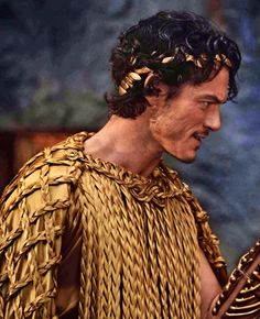 Luke Evans:immortals = makes Zeus look GOOD