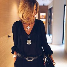Classy/ casual outfits for women. Fashion Over 40, Look Fashion, Spring Fashion, Autumn Fashion, Womens Fashion, Fashion Beauty, Fashion Tips, 50 Fashion, School Fashion