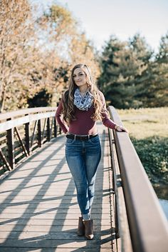 Fall senior pictures, senior photos girls, fall pictures, fall pics, pictures of