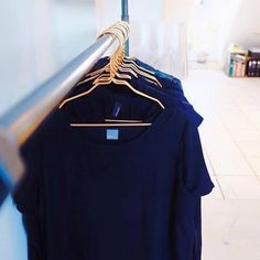 Let your clothes look stylish with copper hangers Copper Hangers, T Shirts For Women, Stylish, Instagram Posts, Clothes, Tops, Fashion, Cloakroom Basin, Colors