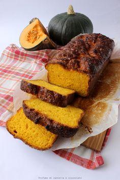 Un pane quasi brioche, dal color giallo intenso, buono così, tostato, con la marmellata, con la nutella o perchè no.. pucciato nel caffè latte!! Lo volevo provare da tanto ma non trovavo mai la ric…