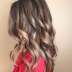 Beige shades of blonde. Color by @deetothevee #hair #hairenvy #hairstyles #haircolor #bronde #blonde #balayage #highlights #newandnow #inspiration #maneinterest