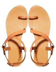 FELTON Leather Flat Sandals