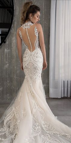 Mermaid Wedding Dresses - Lace wedding dresses have always been popular among brides. See every unique lace wedding dresses that will make you look amazing for your wedding! Country Wedding Dresses, Sexy Wedding Dresses, Wedding Attire, Bridal Dresses, Wedding Gowns, Lace Wedding, Spring Wedding, Wedding Bride, Wedding Wishes
